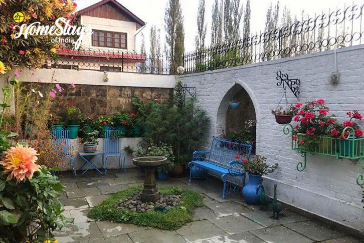 Garden2_Srinagar-Homestay-Kashmir