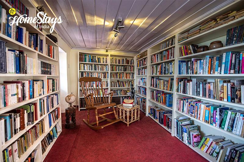 Library_Rukhla-Homestay,-Kotkhai