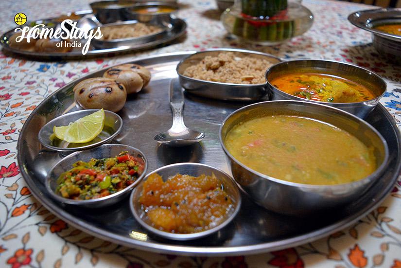 Local-Food_Gangapole-Tradional-Homestay,-Jaipur