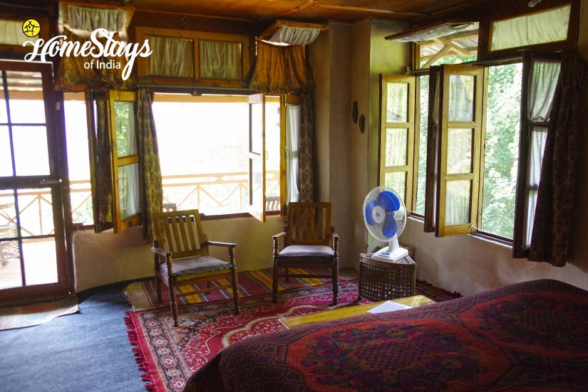 Apricot-Room-2-Chadiara-Heritage-Homestay