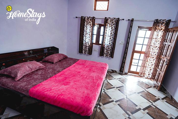 Guest-Room_Srinagar Homestay-Uttarakhand
