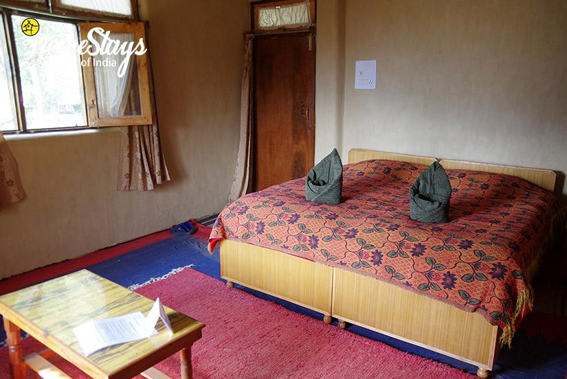 Rose-Room-Chadiara-Heritage-Homestay