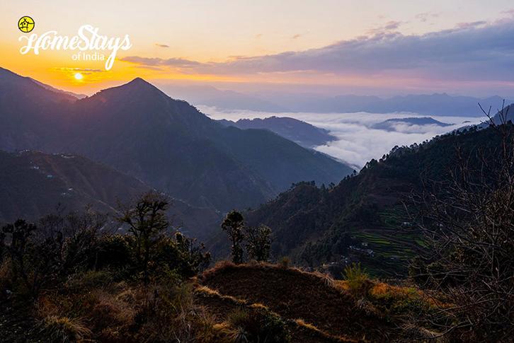 SunRise_Srinagar Homestay-Uttarakhand