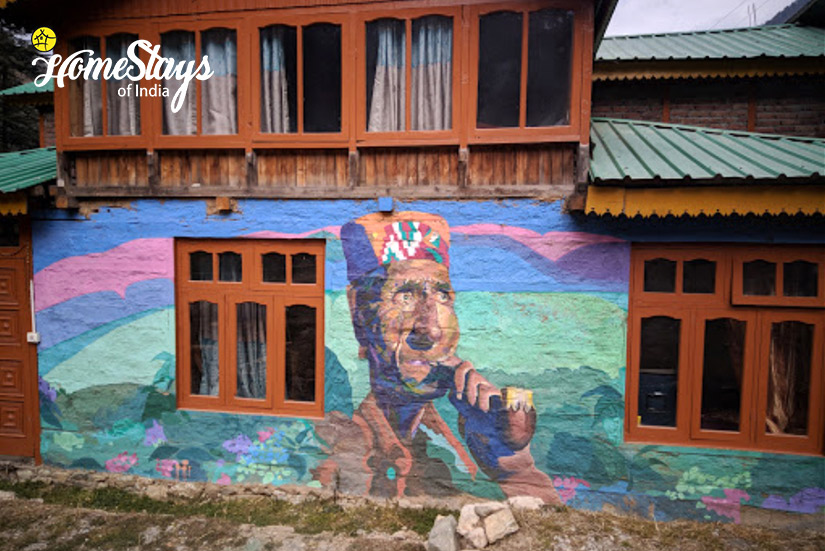 Wall-Painting-Seri Homestay-Jibhi