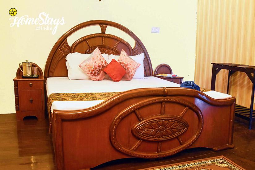 BedRoom3_Banikhet Homestay-Dalhousie