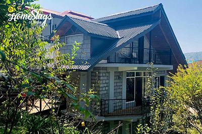Exterior-Banikhet-Homestay-Dalhousie