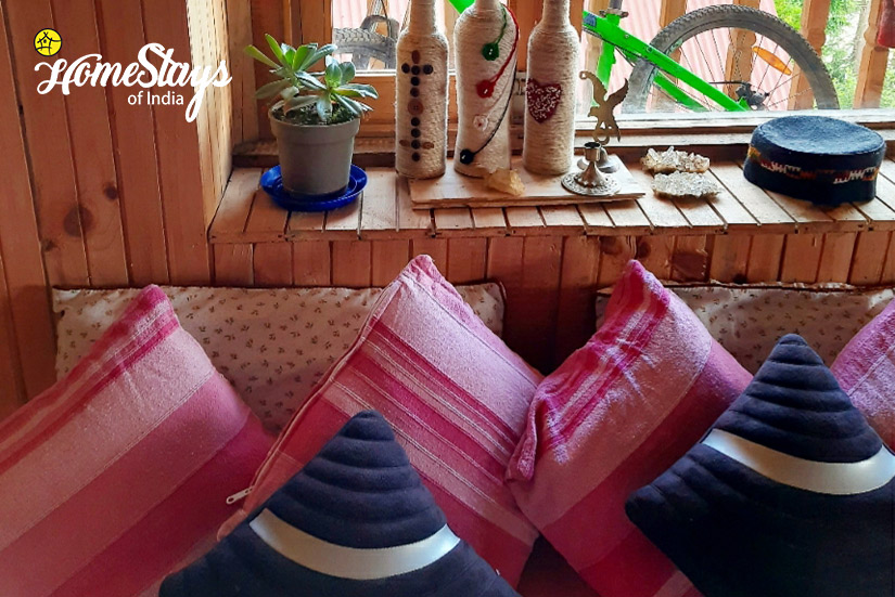 Seating-House of Bahu