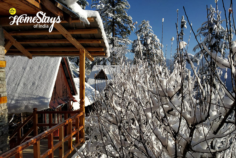 Winter-Balcony2-House-of-Bahu