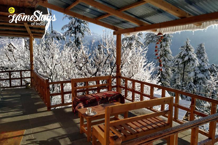 Winter-Balcony3-House-of-Bahu-Banjar