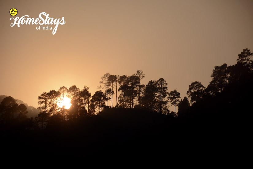 Sunset-2-Gaula River Homestay-Alchaunaa