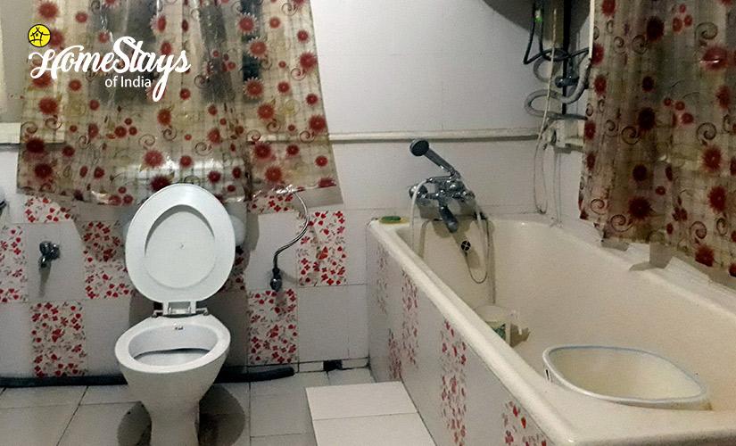 Bathroom_Laitumkhrah Homestay