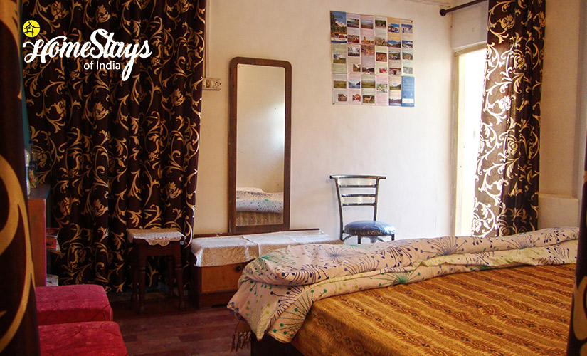 BedRoom-TalliTal Lakeside Homestay-Nainital