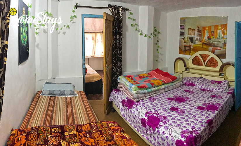 BedRoom4-TalliTal Lakeside Homestay-Nainital