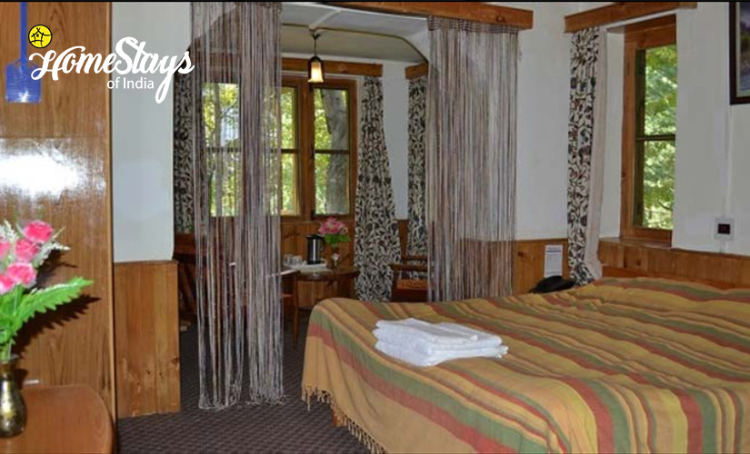 Bedroom-Laripora Homestay-Pahalgam