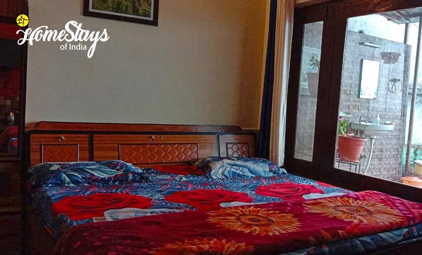Budget Room-1-Mukteshwar Temple Homestay