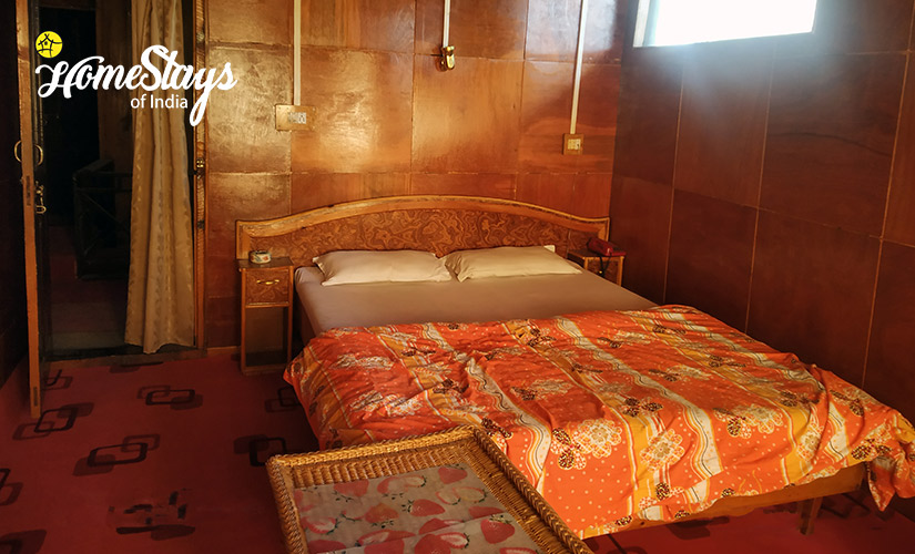 Deluxe Room-2-Laripora Homestay-Pahalgam