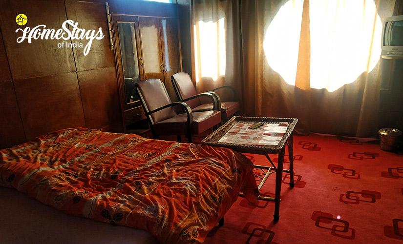 Deluxe Room-3-Laripora Homestay-Pahalgam