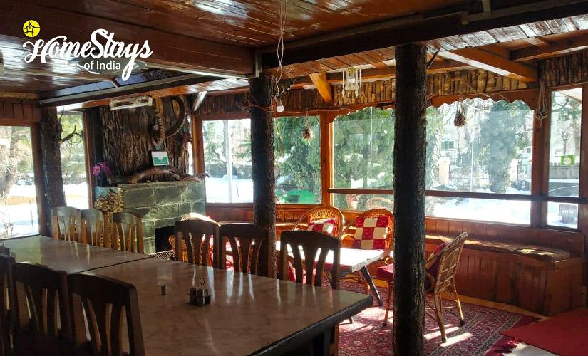 Dinning-Laripora Homestay-Pahalgam