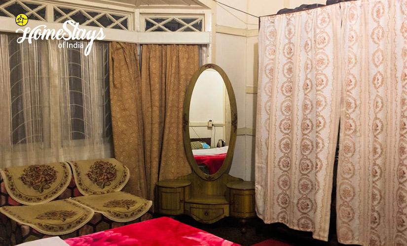 Interior-2_Laitumkhrah Homestay