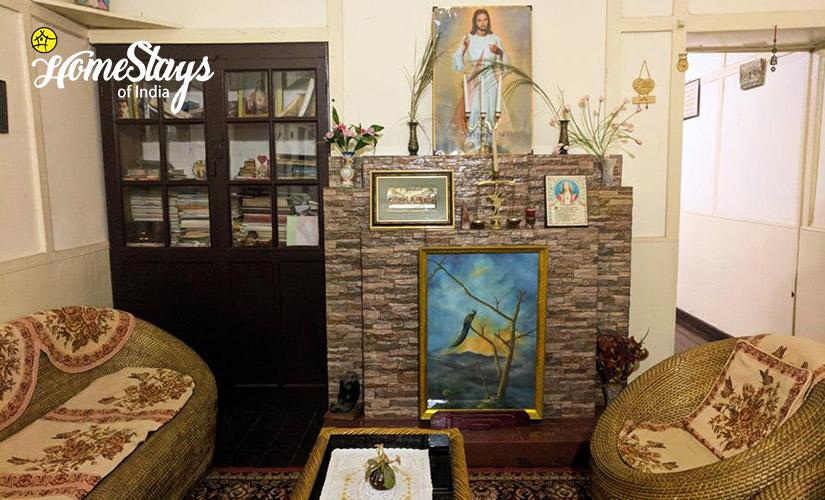 Interior_Laitumkhrah Homestay