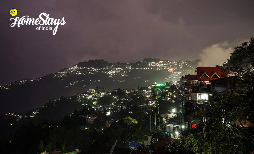 Night View-TalliTal Lakeside Homestay-Nainital