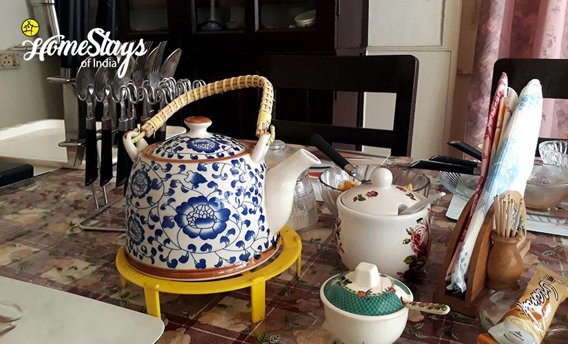 Tea Pot_Laitumkhrah Homestay