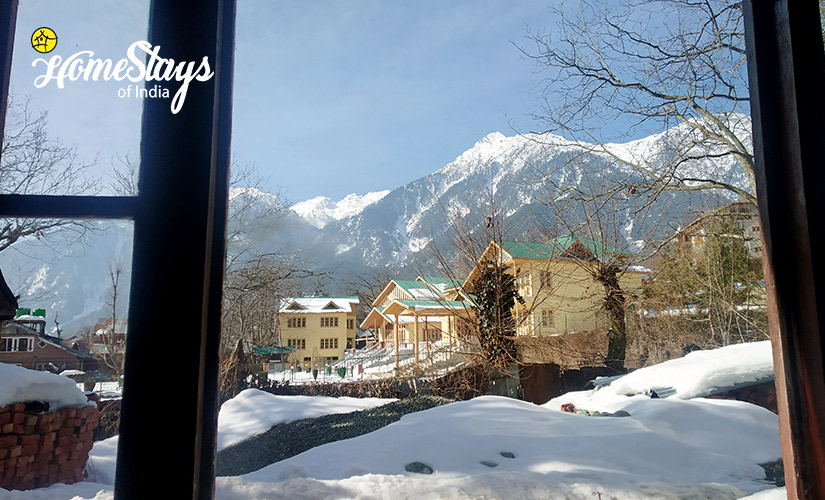 Winter-3-Laripora Homestay-Pahalgam