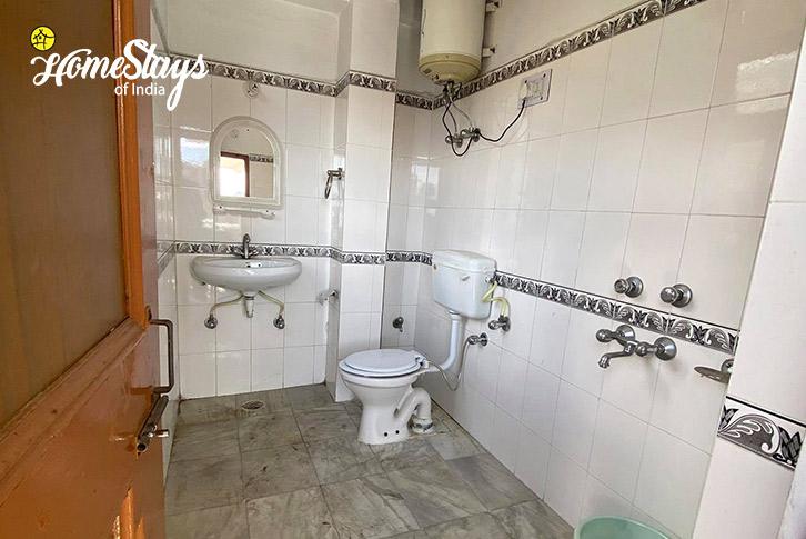 Bathroom-Vashisht Homestay-Manali