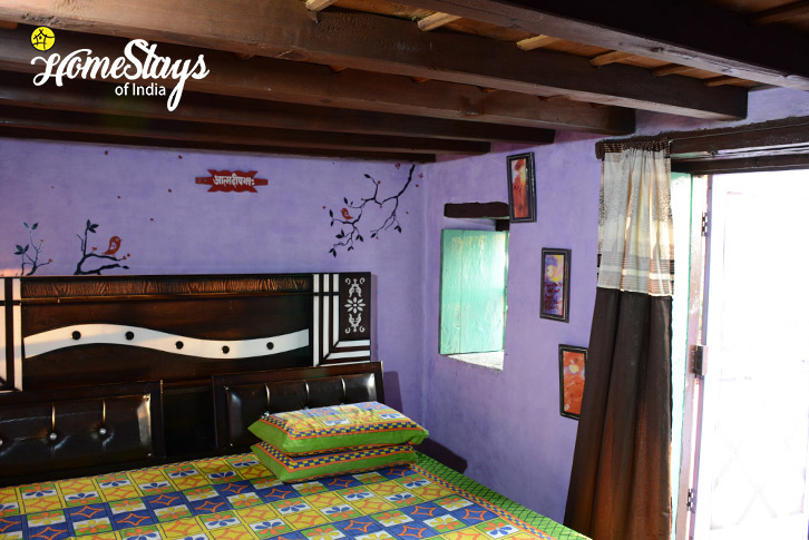 BedRoom-Mirai-Homestay-Dwarahat