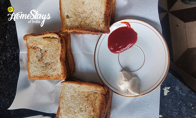 Breakfast-Udiyari Homestay-Chaukori