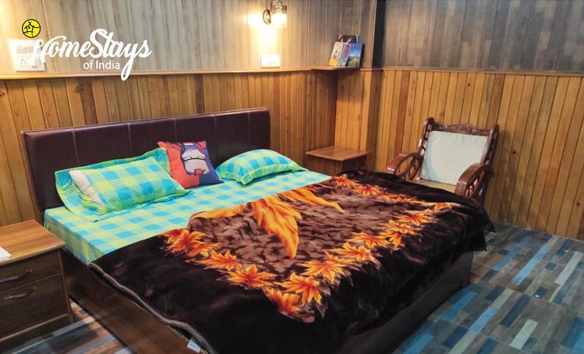 Double-Room-3-Udiyari-Homestay-Chaukori