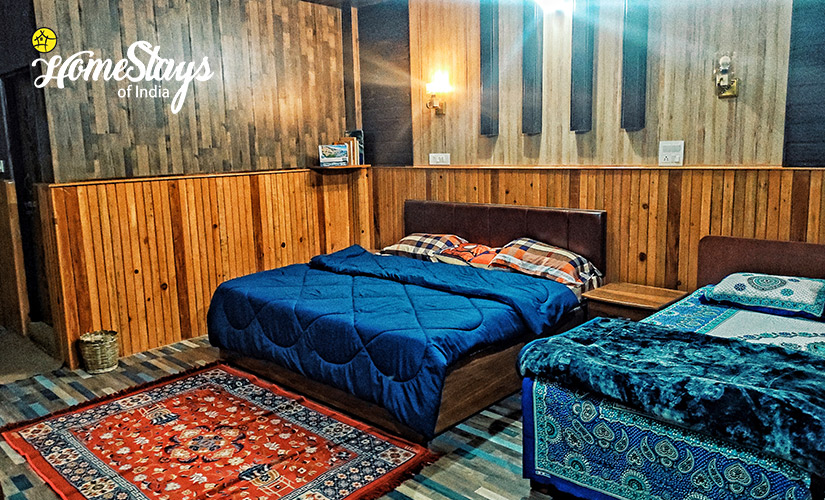 Family-Room-Udiyari Homestay-Chaukori