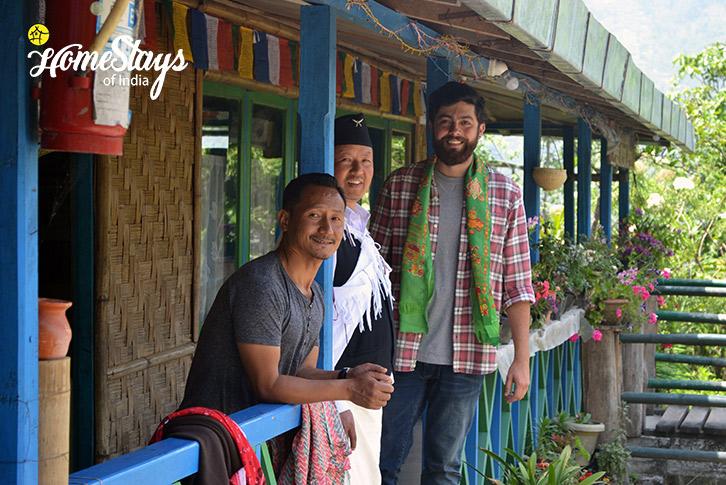 Happy Guest-Lagay Village Homestay-Pelling