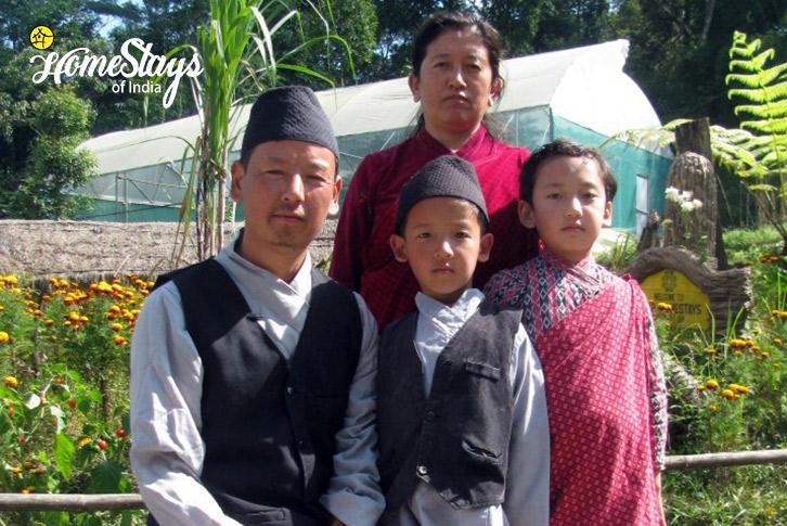 Host Family-Lagay Village Homestay-Pelling