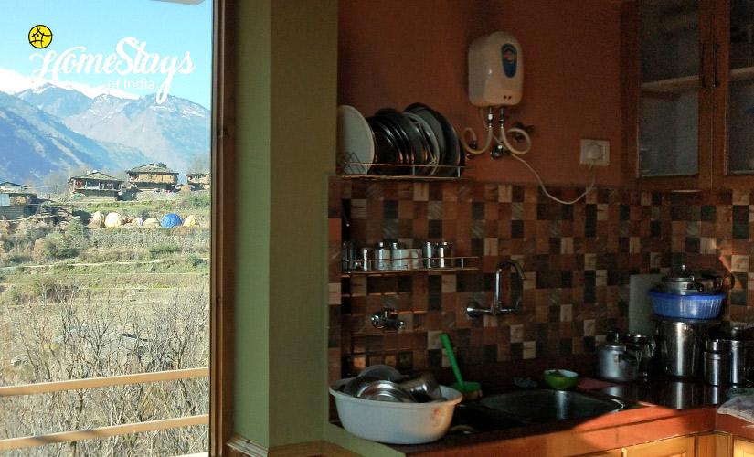 Kitchen_Kais Village Homestay-Kullu