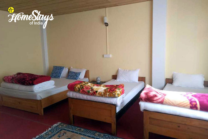 Room-1-Shingring Ten Homestay-Lachung