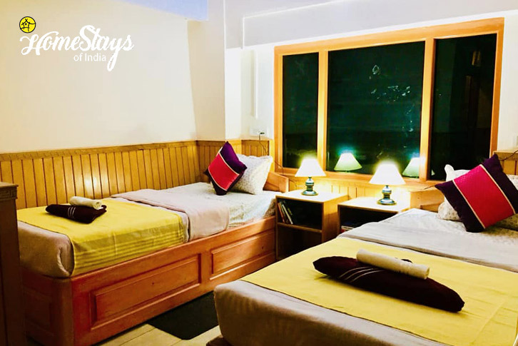 Twin Bedded Room-Lachung Boutique Homestay