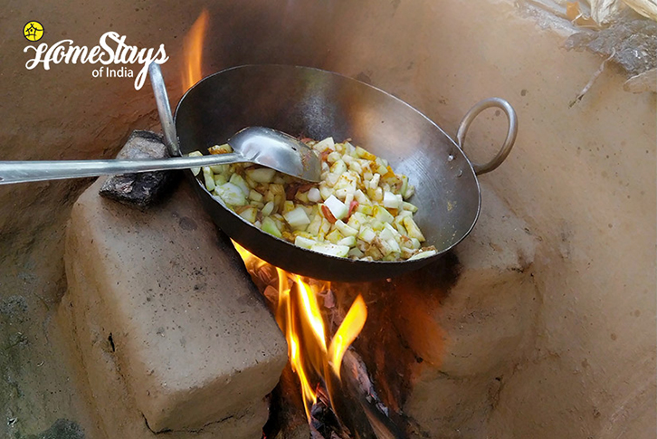 Wood-Oven_Mirai-Homestay-Dwarahat