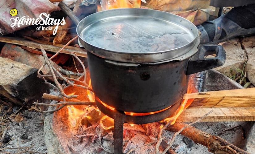 WoodFire-Udiyari Homestay-Chaukori