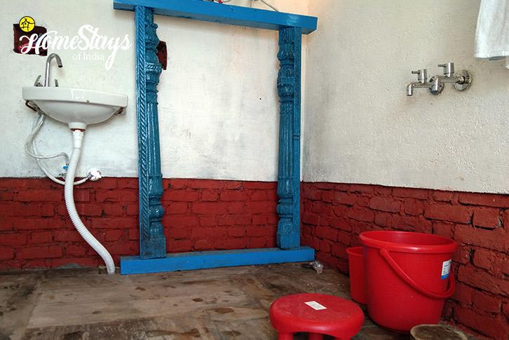 Bathroom-Darima-Boutique-Homestay