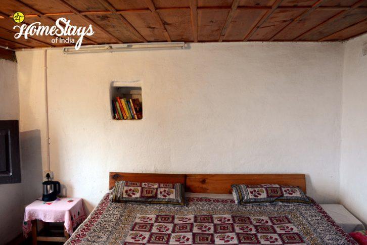Bedroom-02_Kanarkha-Homestay-Padampuri