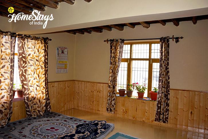 Bedroom-1-Kaza-Homestay-Spiti