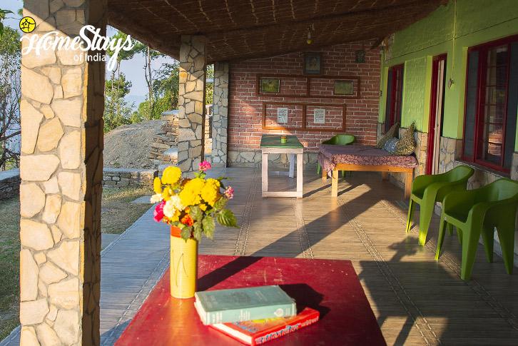 Common-Sitting-Kasar-Devi-Homestay