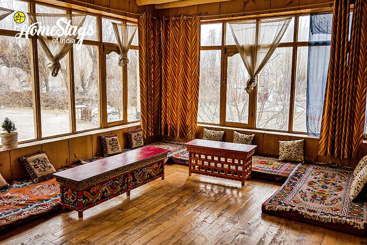 Dinning-2Sumur-Homestay-Nubra Valley-Ladakh
