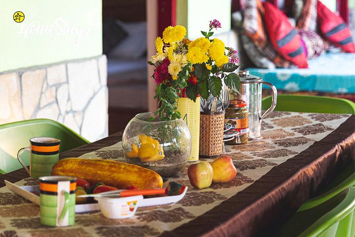 Dinning-Kasar-Devi-Homestay