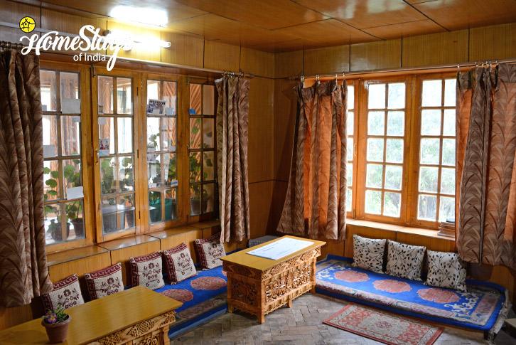 DinningSumur-Homestay-Nubra Valley-Ladakh