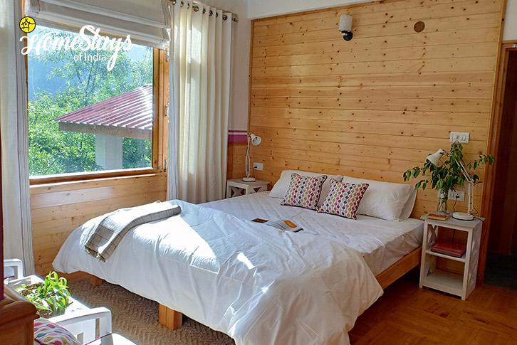 Double Room1-17 Miles-Riverside-Homestay-Manali