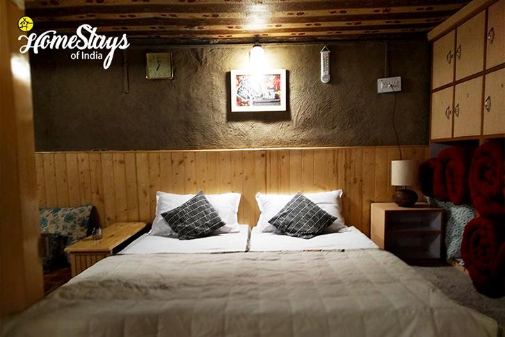 Double-Room_Kaza-Khas-Homestay-Spiti