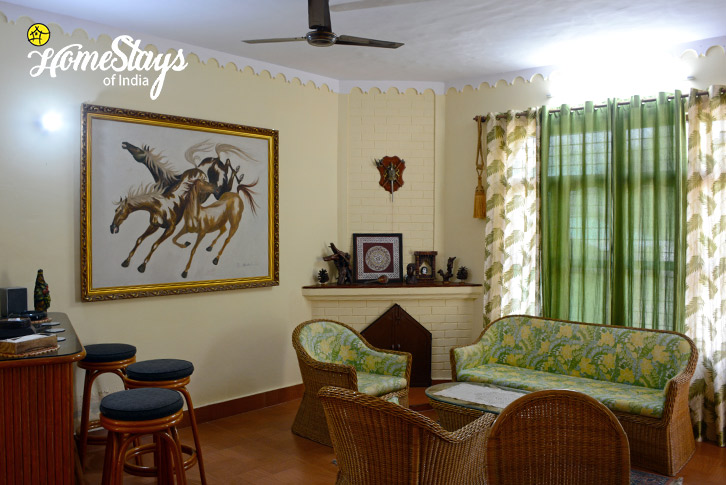 Drawing Room-2-Jone's Estate Homestay-Bhimtal
