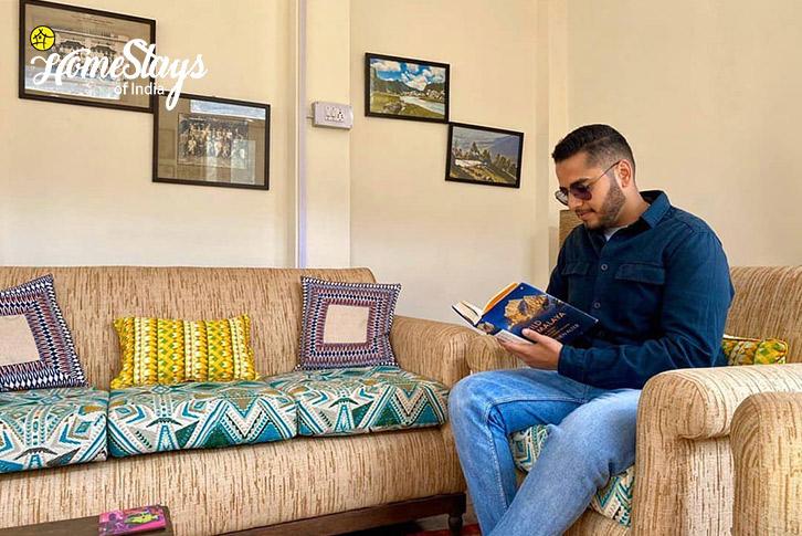 Drawing-Room_Bhandal-Homestay-Chamba